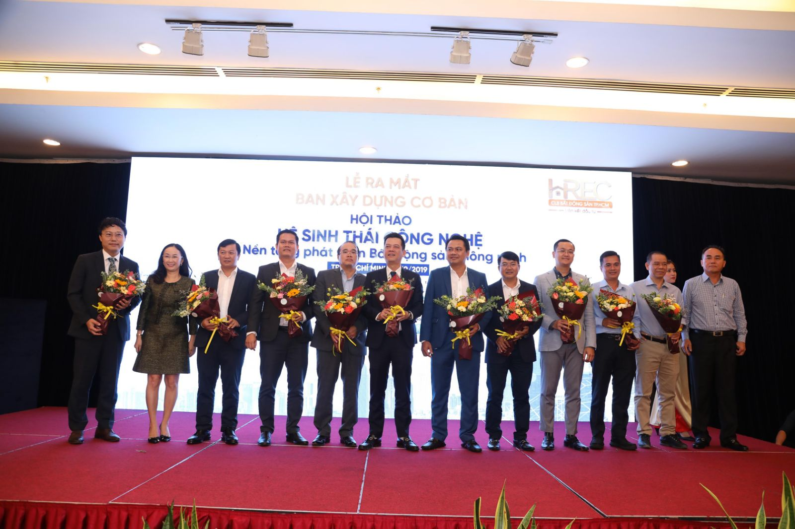 "Sao Bac Dau introduces a comprehensive set of solutions for Smart Urban Area at the Conference ""Technology Ecosystem - Smart Real Estate Development Platform""."
