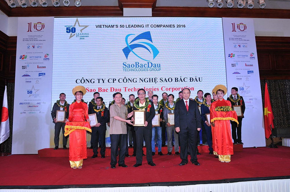 SBD Achieved The Certification Of 50 Leading IT Enterprises In Vietnam In 2016