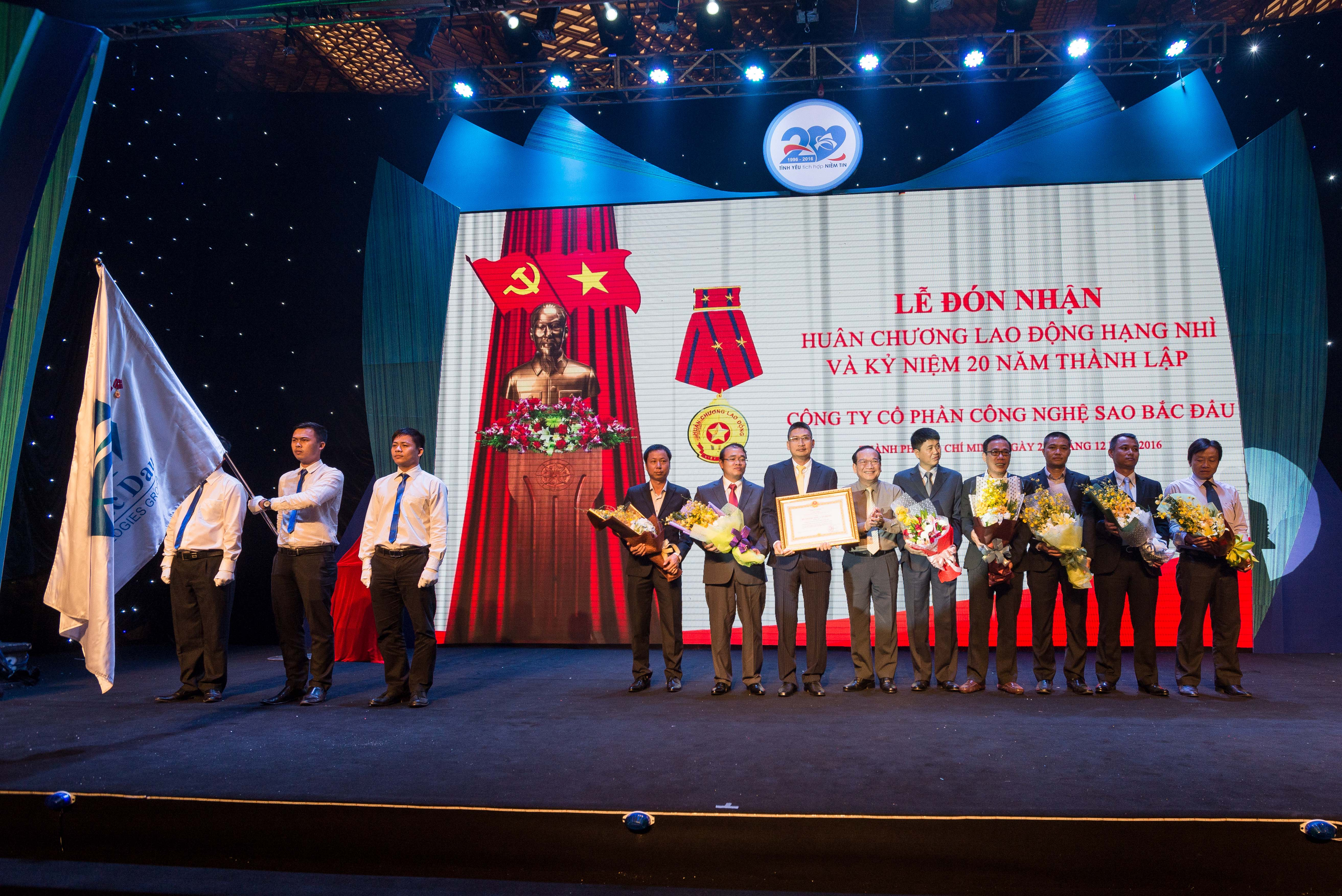 Sao Bac Dau Technology Joint Stock Company Received The Second Labor Medal And The 20th Anniversary Of Its Establishment